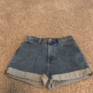 urban outfitter mom shorts